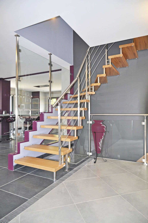 Escalier Sans Contremarche style epura, escalier intérieur en bois sans contremarche. #escalier