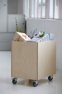 Nueva caja de almacenamiento con ruedas y tapa de #HouseDoctor. Fabricado y diseñado en Dinamarca. #estilonordico #muebles #diseñodanes