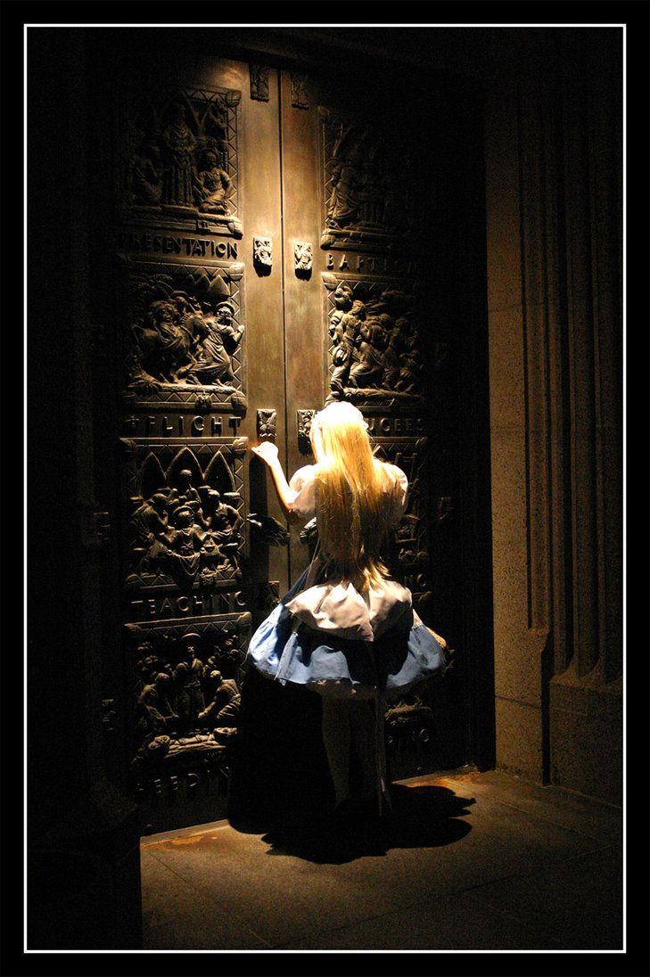 [ • Alice in Wonderland - photography - by riobranden @deviantART • ]