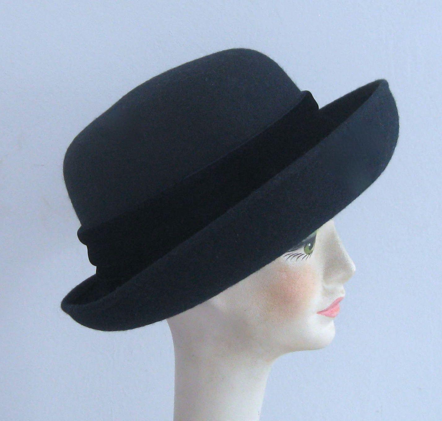 bowler hat . Madeleine hat . midnight blue hat midnight blue felt hat .  blue bowler hat by vintagous on Etsy 394ce810743