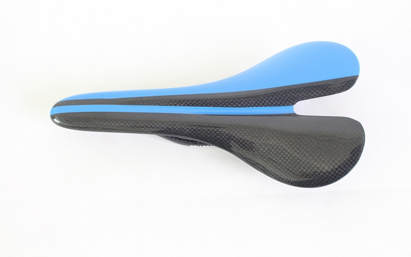 51.99$  Watch here - http://aliedv.worldwells.pw/go.php?t=32427050405 - Newest No Logo Blue Road Bicycle Glossy Carbon Saddles Full Carbon Fibre Cycling Bike Seat.Matte Surface are Available 51.99$
