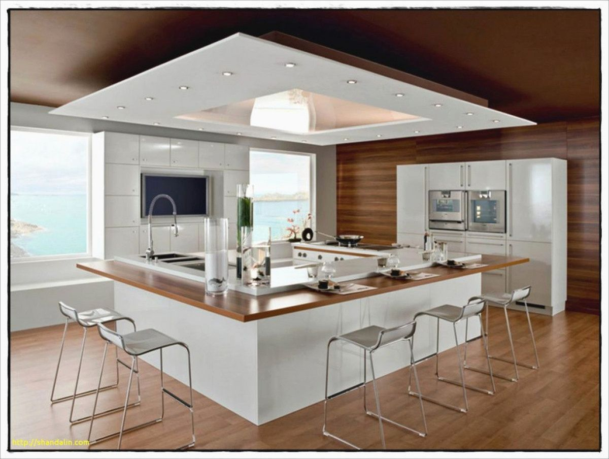 Epingle Par Daphne Toi Sur Cuisine Cuisine Moderne Plafond Cuisine Chaise Haute Cuisine
