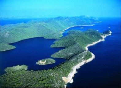 Why To Charter A Yacht In Croatia Croatia National Park Croatia Tourism National Parks