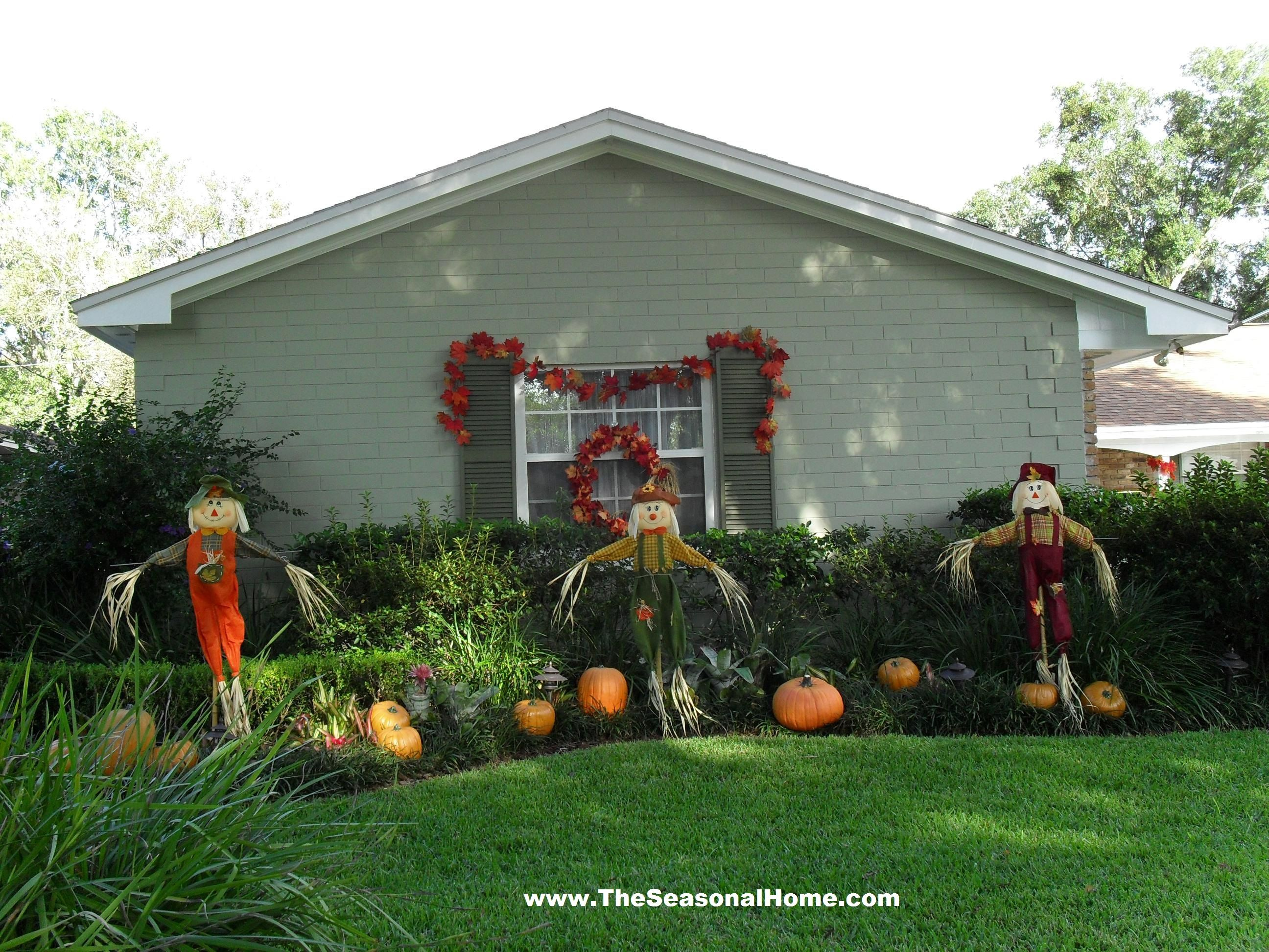 Halloween front garden ideas - Fall Yard Decoration Ideas The Seasonal Home