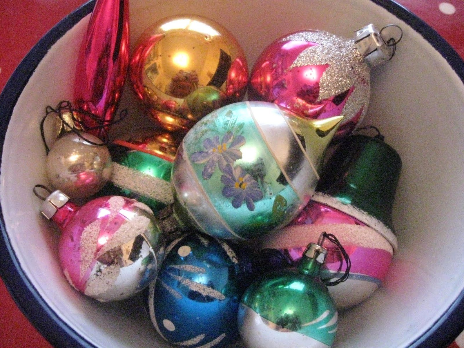Vintage baubles at Curlew Country blog