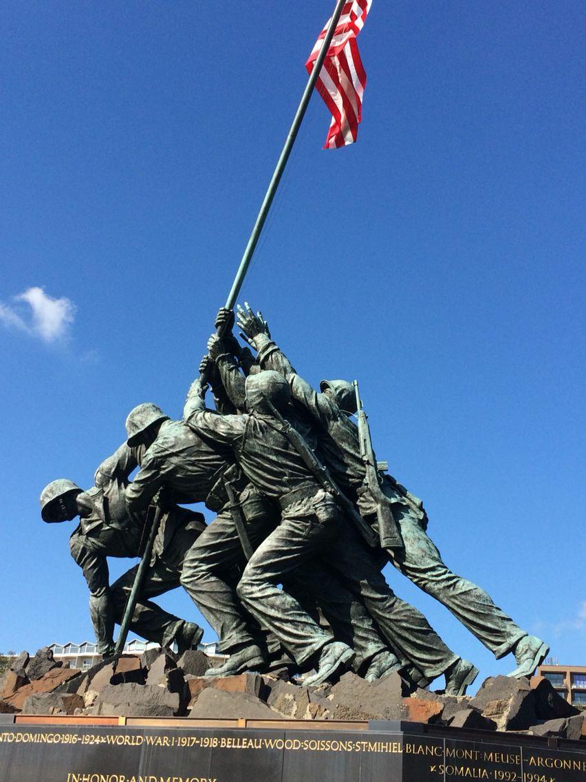 Soldiers Holding Flag Up Washington D C Military Images Iwo Ap Art