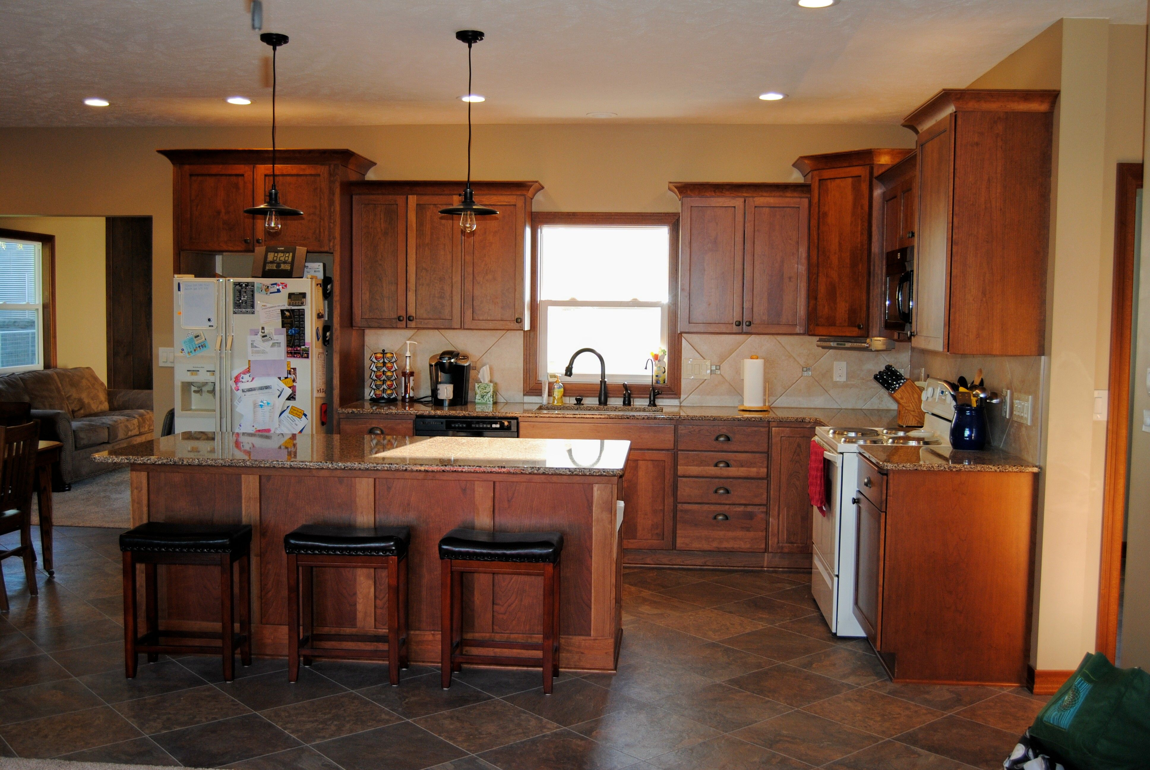Cherry Cabinets finished in Toffee with Chocolate Glaze. Cambria ...