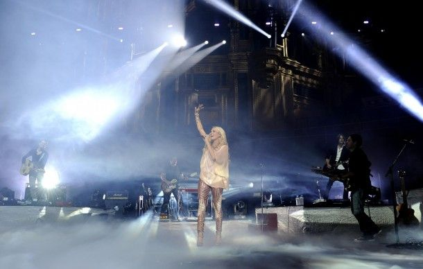 CARRIE UNDERWOOD PERFORMS TO SOLD-OUT CROWD AT LONDON'S ROYAL ALBERT HALL | The Official Carrie Underwood Site