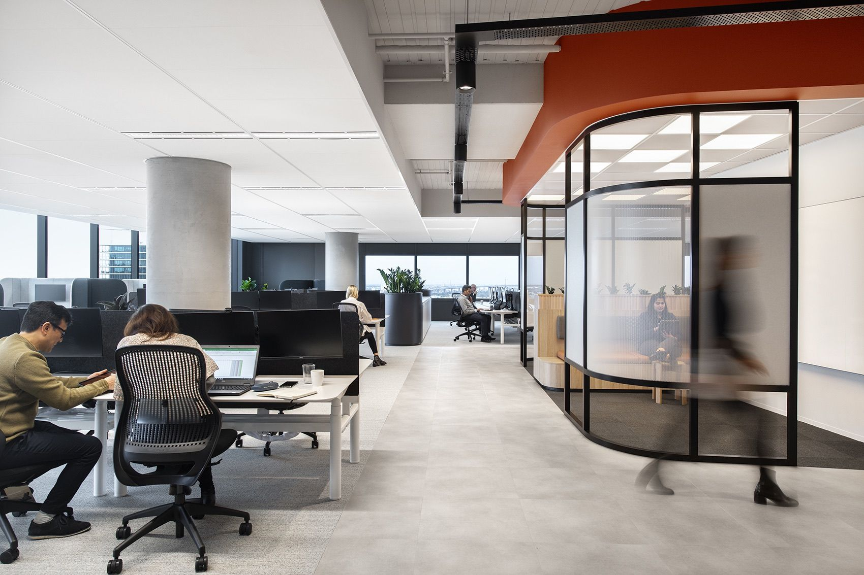 A Tour Of Qbe Insurance S New Melbourne Office In 2020 Workplace Design Work Space Docklands