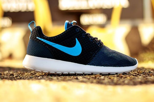 quality design 36255 6b090 Trendy Womens Sneakers 2017  2018   Nike Roshe Run GS Midnight Navy    University Blue Total Orange White