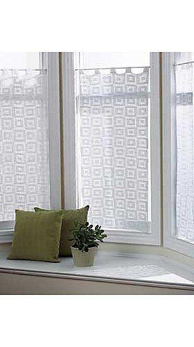 Free Bernat Crochet Curtain Pattern Made Using Cotton Thread