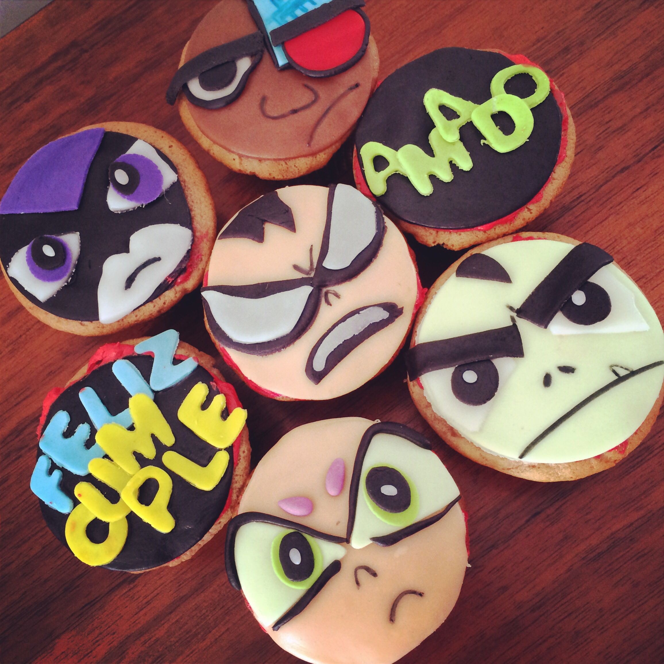 Teen Titans Cupcakes  Tiny Cakes Cakes And Cupcakes En -2215