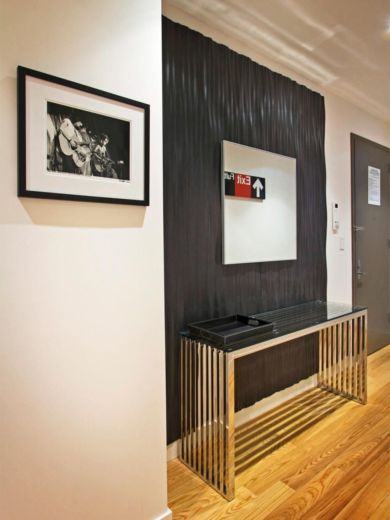 Modern Wall Accents This Contemporary Entryway Features A Textured Ebony Accent Wall