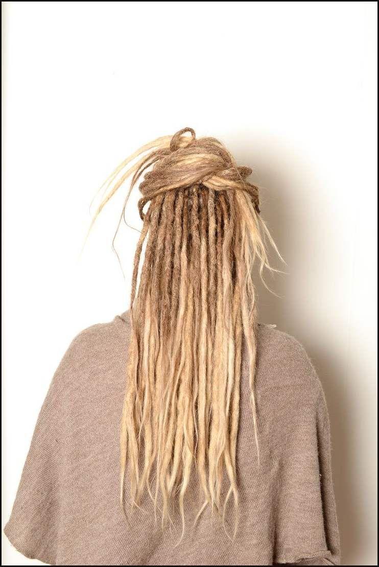 Die Besten 25 Dunne Dreads Ideen Auf Pinterest Blonde Einfache Frisuren Thin Dreads Blonde Dreads Beautiful Dreadlocks