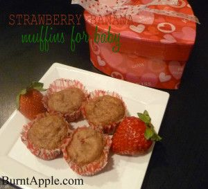 Strawberry Banana Muffins for Baby by www.burntapple.com #strawberry #banana #baby #muffin #recipe