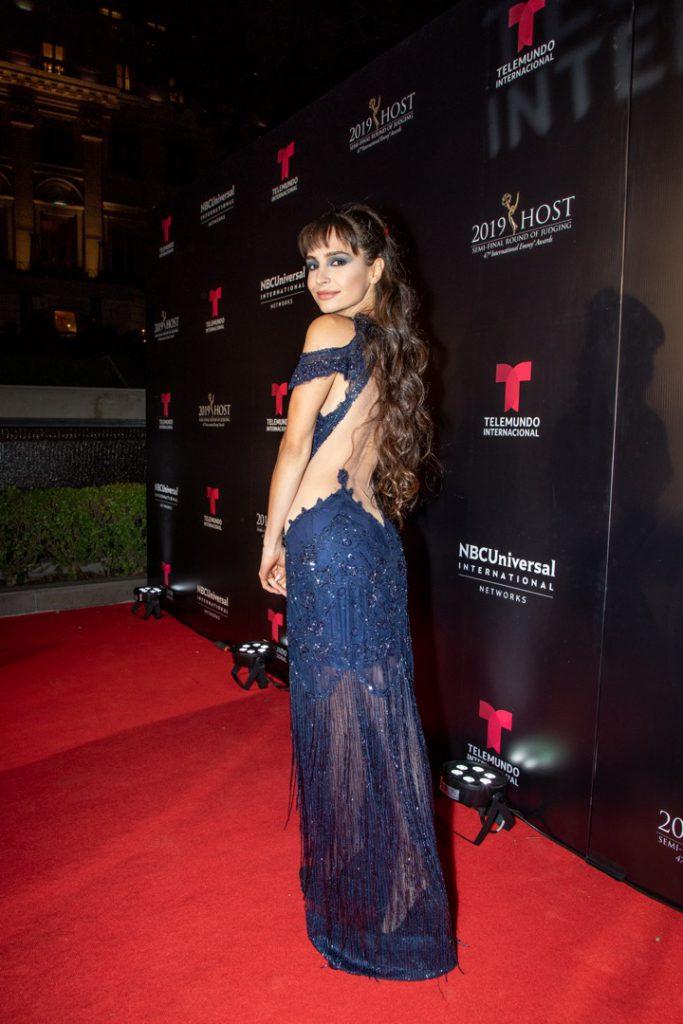 Emmy 2019 Una Red Carpet De Novela Looks De Celebrities Vestidos Formales Largos Ultimas Tendencias En Moda Moda
