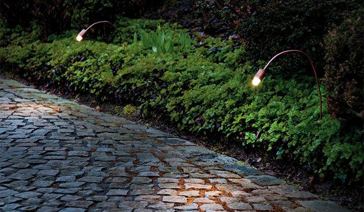 Illuminazione per esterni in rame orientabile e flessibile bel
