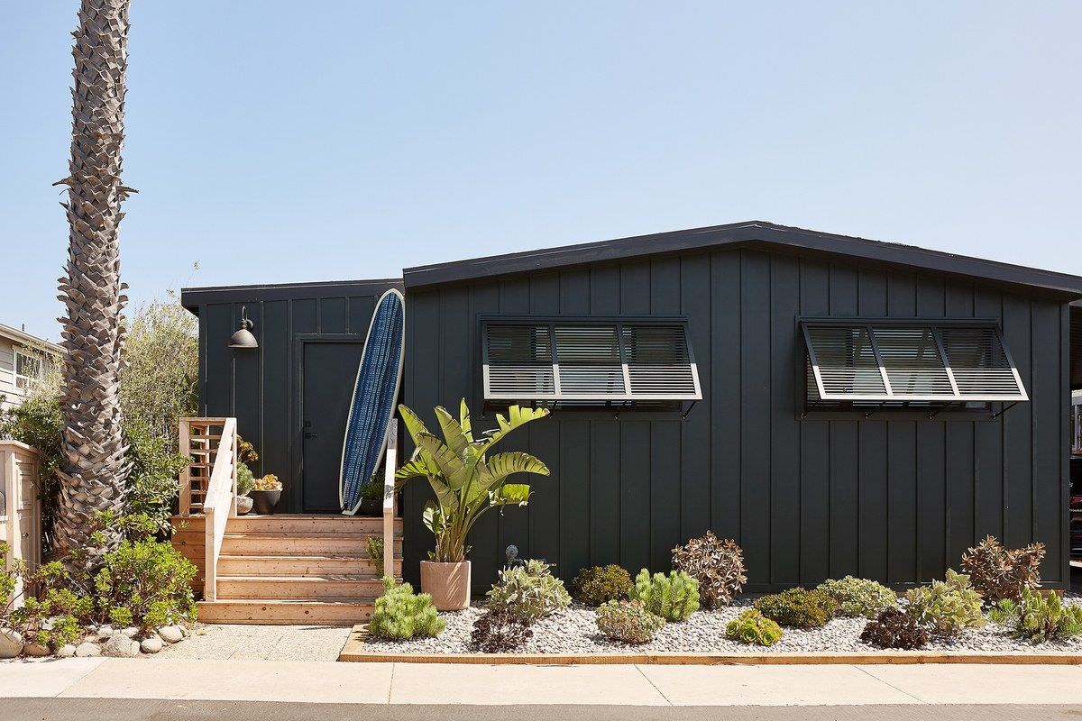 How This Interior Designer Turned A Malibu Mobile Home Into A Scandinavian Chic Surf Retreat Mobile Home Exteriors Mobile Home Renovations Double Wide Remodel