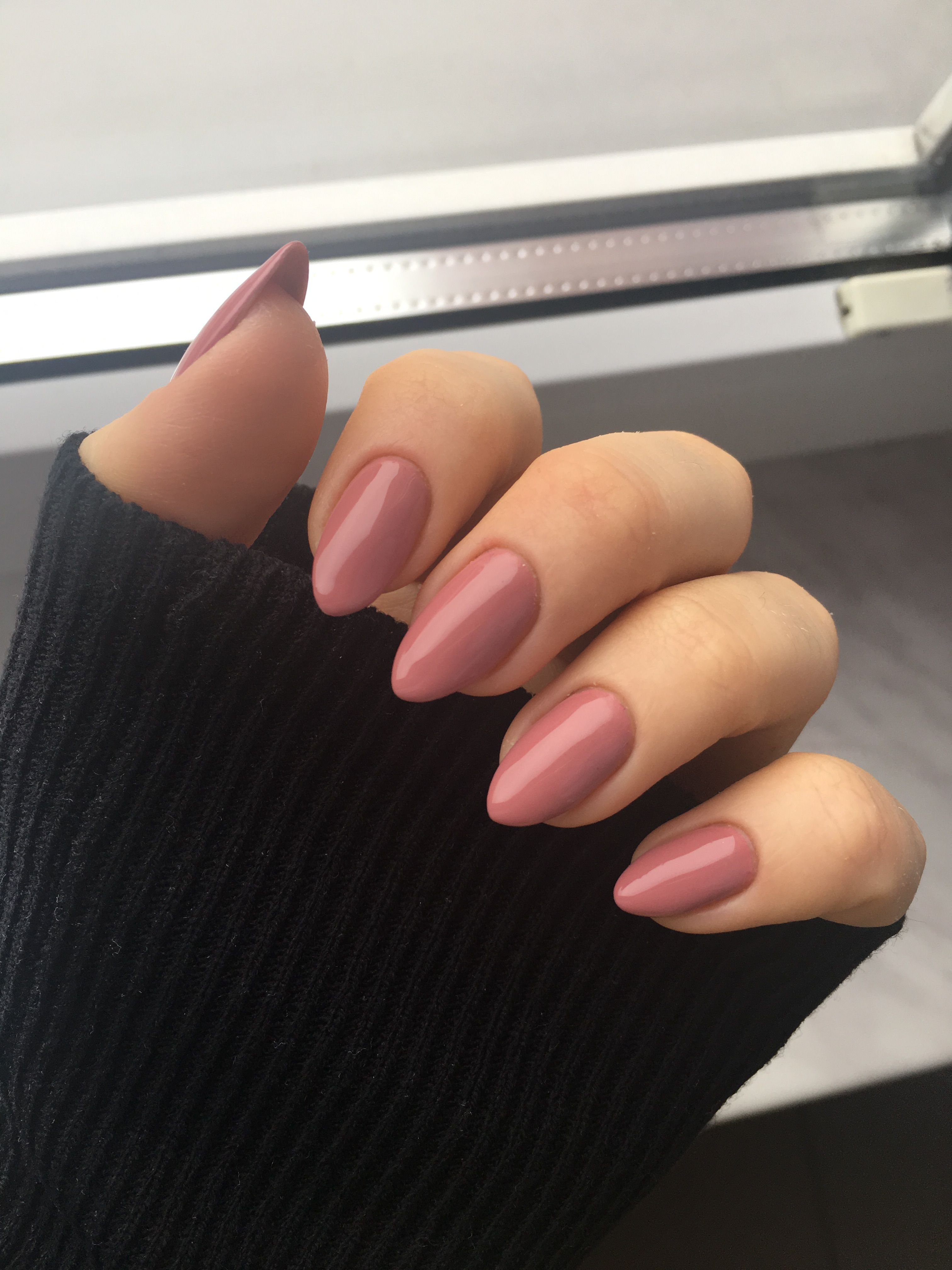 Love The Shape And Length Chic Nail Designs Chic Nails Almond Acrylic Nails