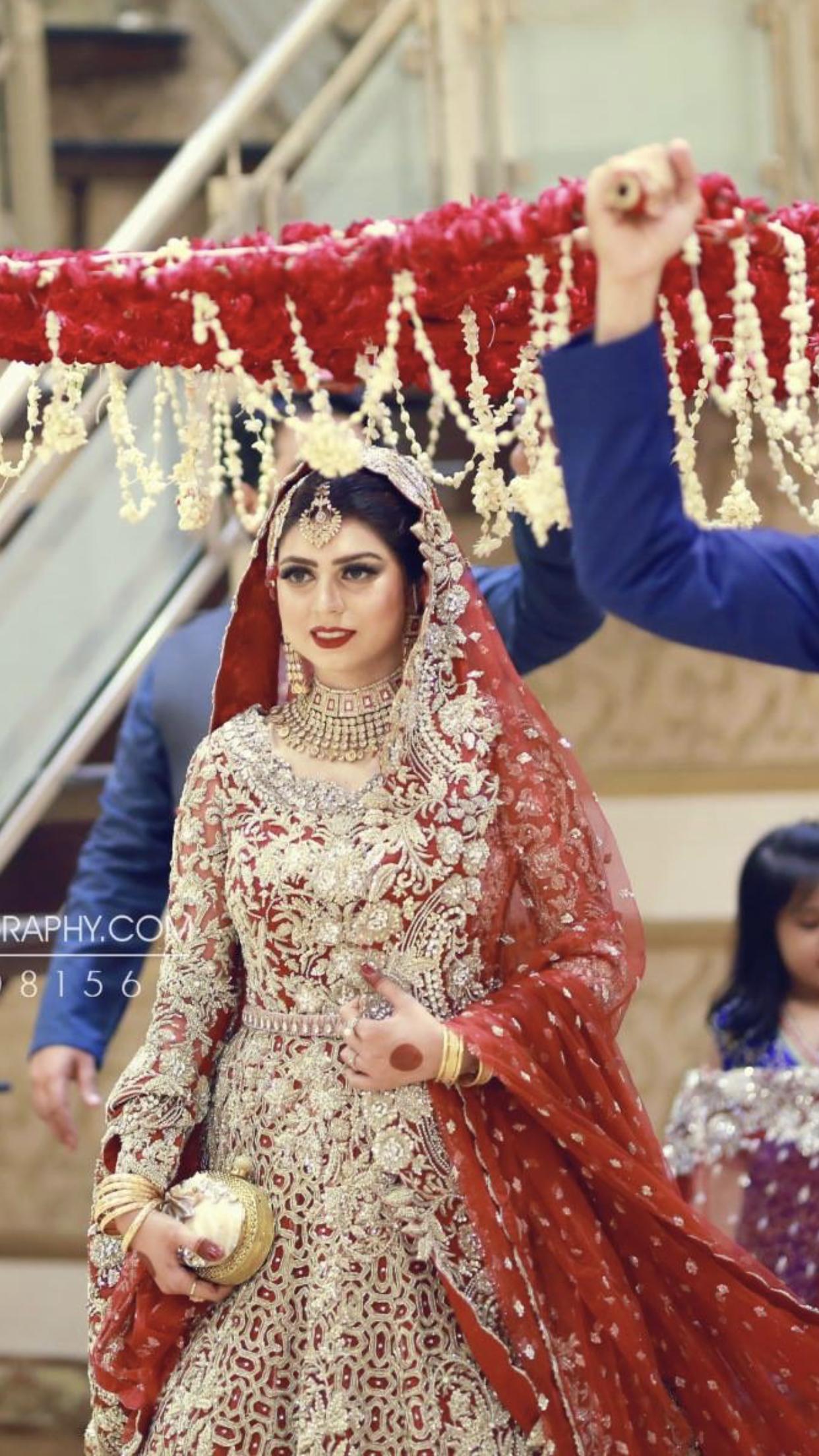 Barat Bride Entrance Pakistani Bridal Dresses Pakistani Wedding Dresses Pakistani Bride