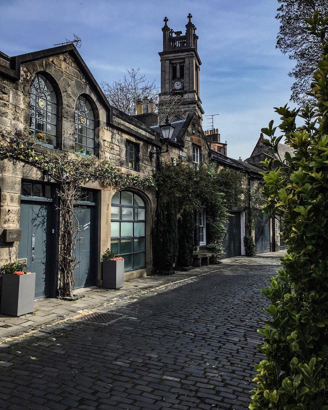 "MyInstaScotland on Instagram: ""Circus Lane in the New Town of Edinburgh  #circuslane #edinburgh #myedinburgh #loveedinburgh #thisisedinburgh #visitscotland…"""