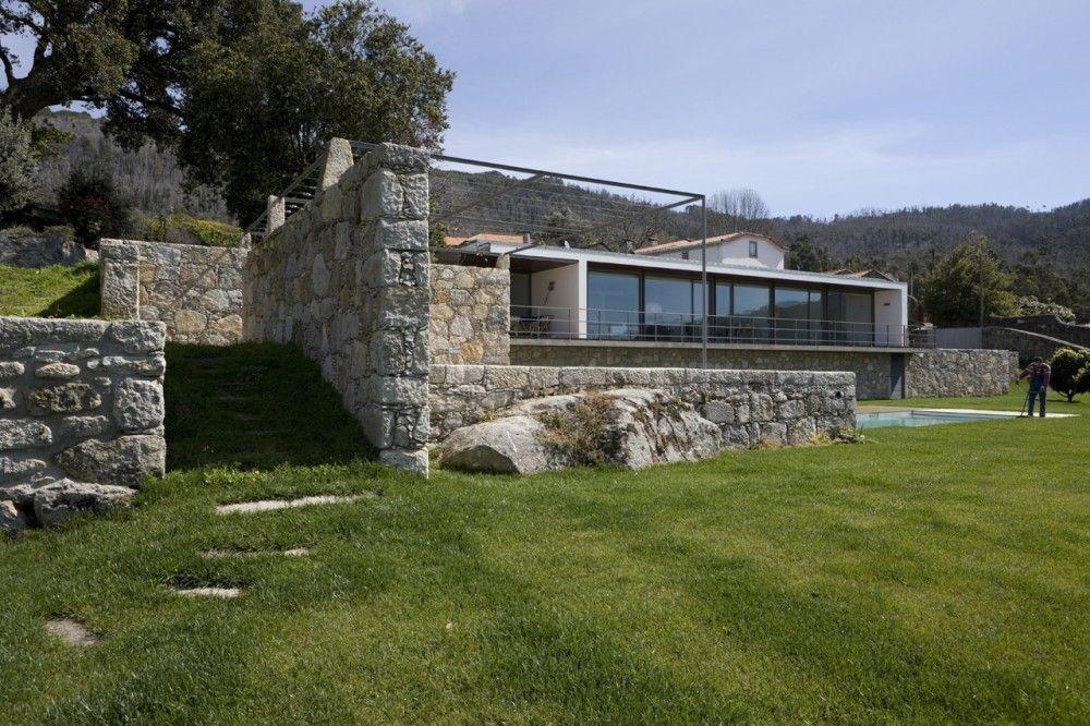 Casa Afife / Alfredo Resende Arquitectos