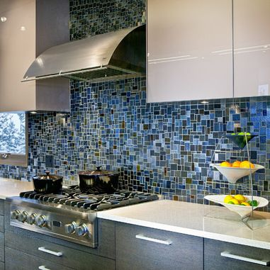 Cool Blue And Grey Hued Glass Mosaic Backsplash Kitchen Backsplash Designs Kitchen Backsplash Trends Blue Tile Backsplash Kitchen