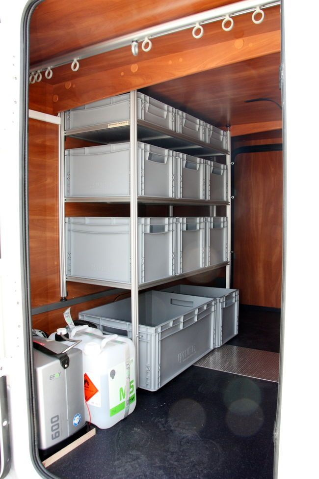 laika kreos 4009 wohnmobil mit heckgaragen regal q90 transportereinrichtung in 2019. Black Bedroom Furniture Sets. Home Design Ideas