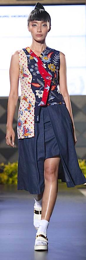 """""""Kembang Kirana"""" for FIMELAFest Batik Fashion Week 2015 Rinda Salmun"""