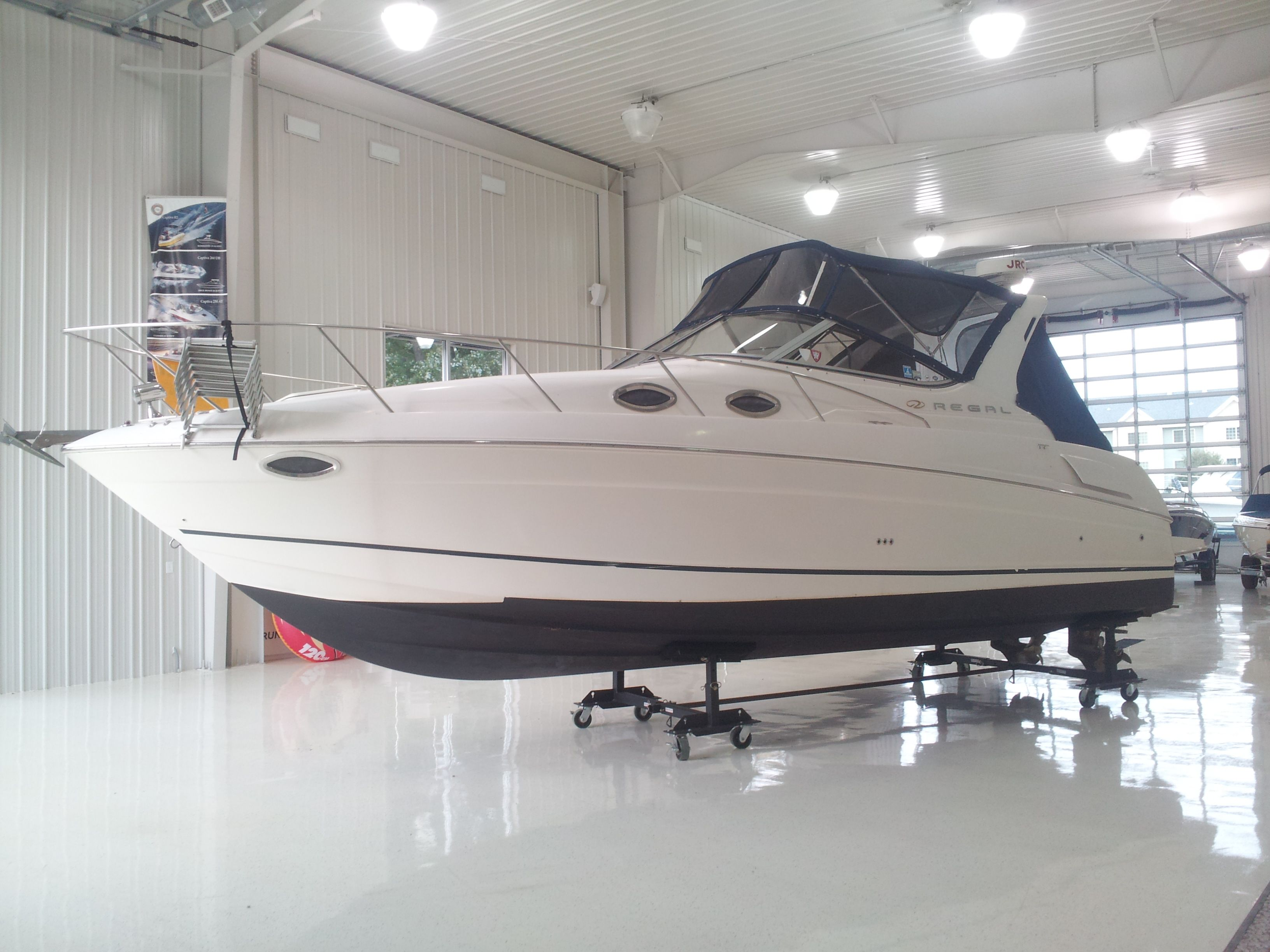 For Sale Inside Our Heated Showroom 2003 Regal 3060 Commodore This Boat Is Nice Twin 5 0l 270 Hp Volvos Air Heat Radar Vacu Flush Ca Boat Flush Relax