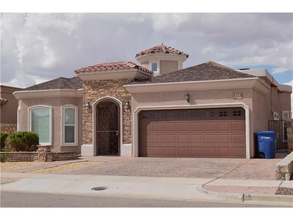 For Rent 3133 Blue Dirt El Paso Tx 79938 1 375 1767 Sq Ft Beautiful 3 Bedroom 2 Bath Home Located On The Eastside Renting A House House Styles Home