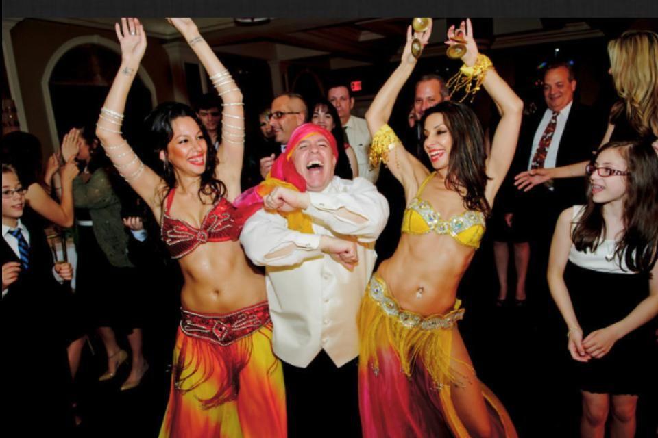 Weddings Dj Videography Photography Ny Bellydancers Edmund Ceribelli And Maria Shammas Were Married In Long Island Ny Dj Chuck Goo Dj Djs Belly Dancers
