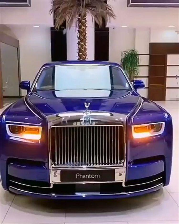 40 Luxury And Stunning Car For Women You Dream To Have Women Fashion Lifestyle Blog Shinecoco Com New Rolls Royce Rolls Royce Phantom Luxury Cars Rolls Royce