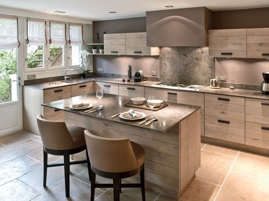 Aménagement cuisine, 7 grandes pièces comme à la campagne House - cuisine ilot central conforama