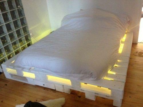 mobilier pas cher 21 id es avec des palettes en bois lit. Black Bedroom Furniture Sets. Home Design Ideas