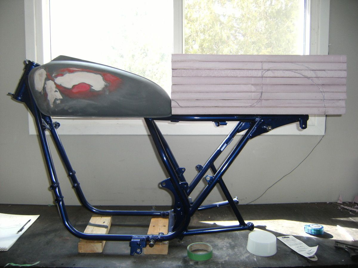 how to build a cafe racer seat