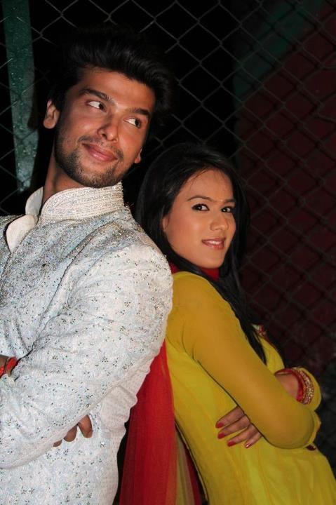 Ek Hazaaron Mein Meri Behna Hain Maanvi And Viraat Indian Tv Actress Favorite Celebrities Celebrities