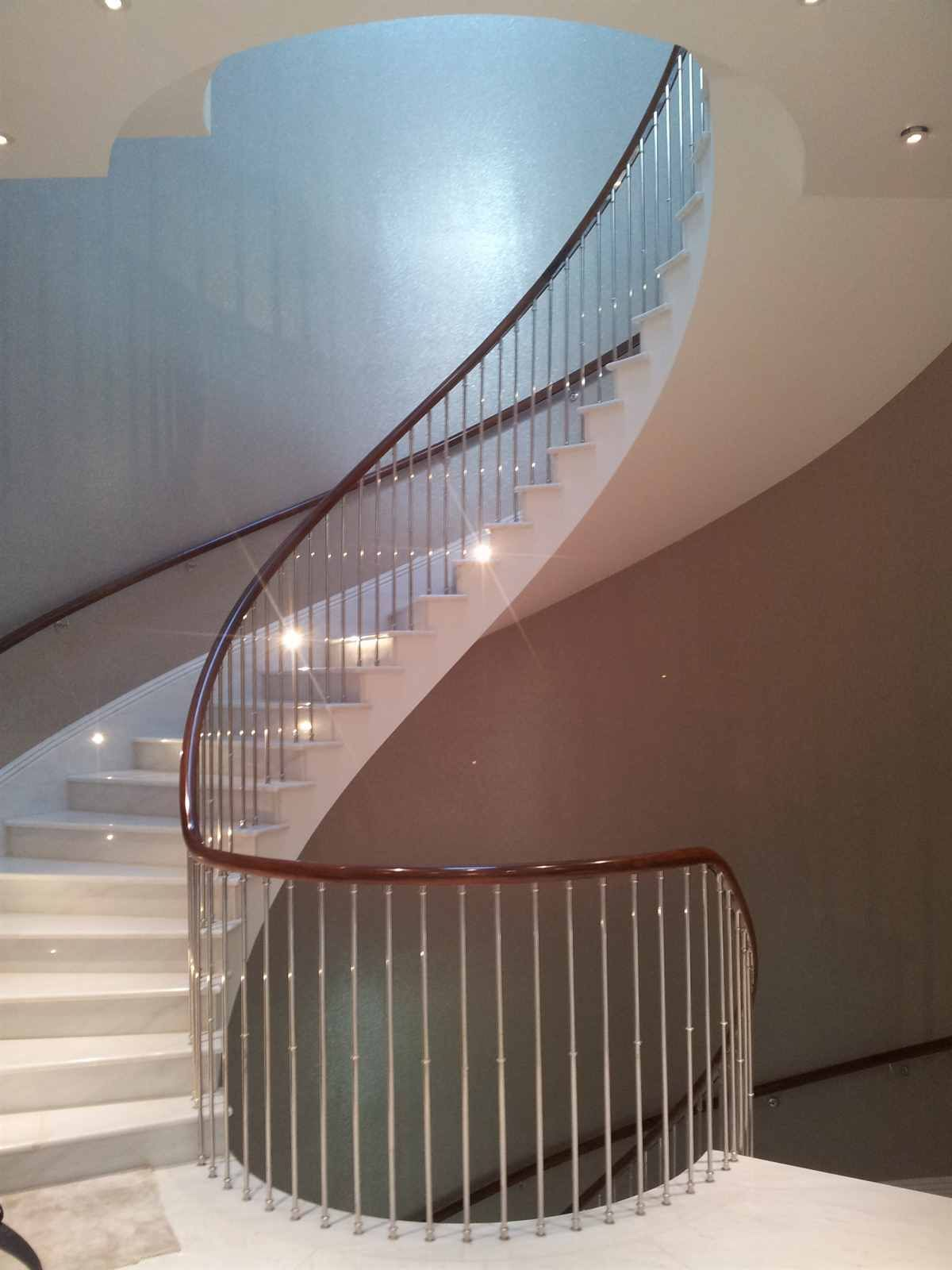 Best Helical Staircase With Stainless Steel Balustrade And 640 x 480