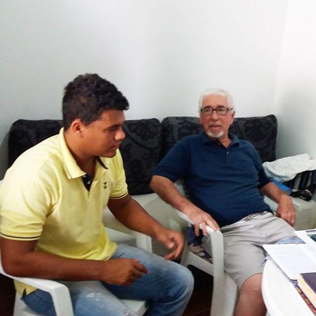 Foi uma honra entrevistar o Perito Criminal aposentado, Antonio Neves. Uma reportagem de pouco mais de uma hora, que trouxe grandes revelações de suas experiências de vida profissional e pessoal. Leia a matéria: http://www.rodrygoferraz.com.br/2016/11/adustina-ba-perito-criminal-aposentado.html?m=1