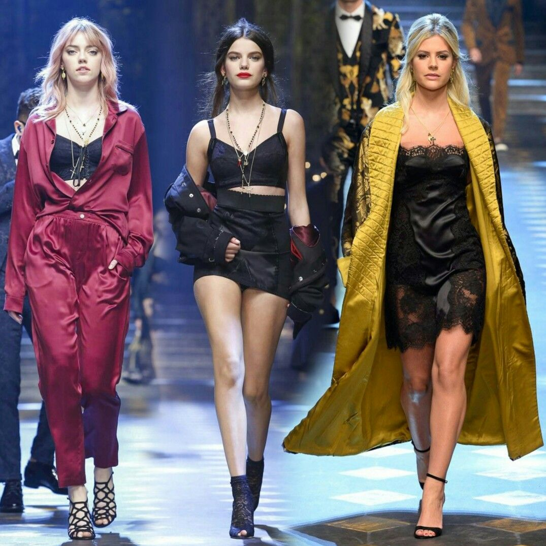 Other influencers on the runway at #DolceAndGabbana show during #MilanFashionWeek included #LalaRudge, #PyperAmerica and #SoniaBenAmmar! #MFW • • • • • Outras influencers na passarela do desfile da #DolceAndGabbana durante a #MilanFashionWeek incluíam, #LalaRudge, #PyperAmerica e #SoniaBenAmmar! #MFW