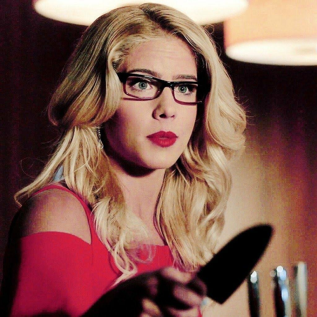 Never, Ever Sneak Up On Felicity Smoak In Her Loft! Emily Bett Was Flawless