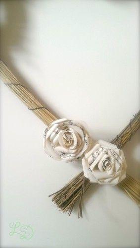 rose aus papier verpacken rosen aus papier basteln und rosen basteln. Black Bedroom Furniture Sets. Home Design Ideas