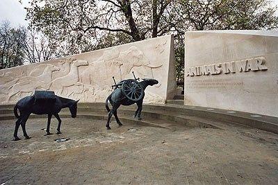"""Prachtig monument voor gevallen oorlogsdieren wereldwijd... """"Because they had no choice!""""  http://yfrog.com/obx93qdj http://yfrog.com/ntg66szj"""