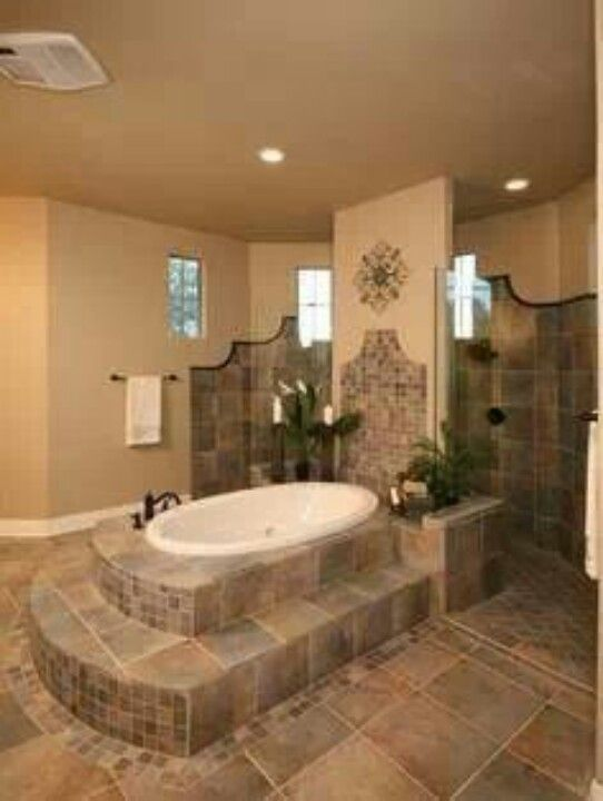Love the tub and also the shower behind the wall! Decor/Remodel - baos lujosos