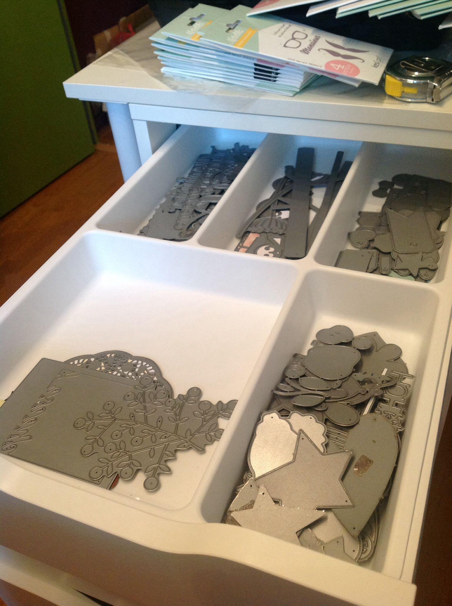 meuble alex avec range couverts ikea pour stocker et. Black Bedroom Furniture Sets. Home Design Ideas