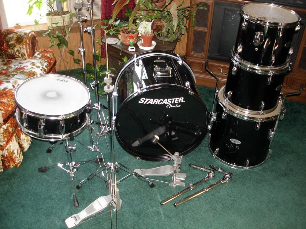 Fender Starcaster Five Piece Acousticdrumset With Hardware