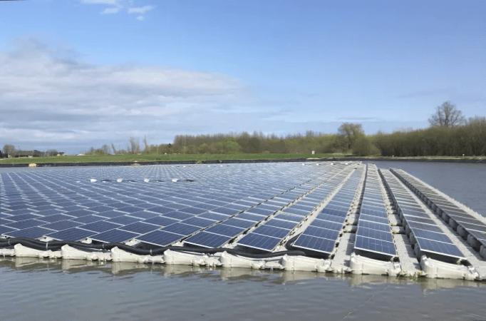 Australia To Build The World S Largest Solar Farm To Power Singapore Solar Farm Solar Solar Energy Diy