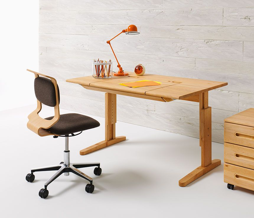 Swell Height Adjustable Solid Wood Kids Desk Shown At Its Lowest Download Free Architecture Designs Scobabritishbridgeorg