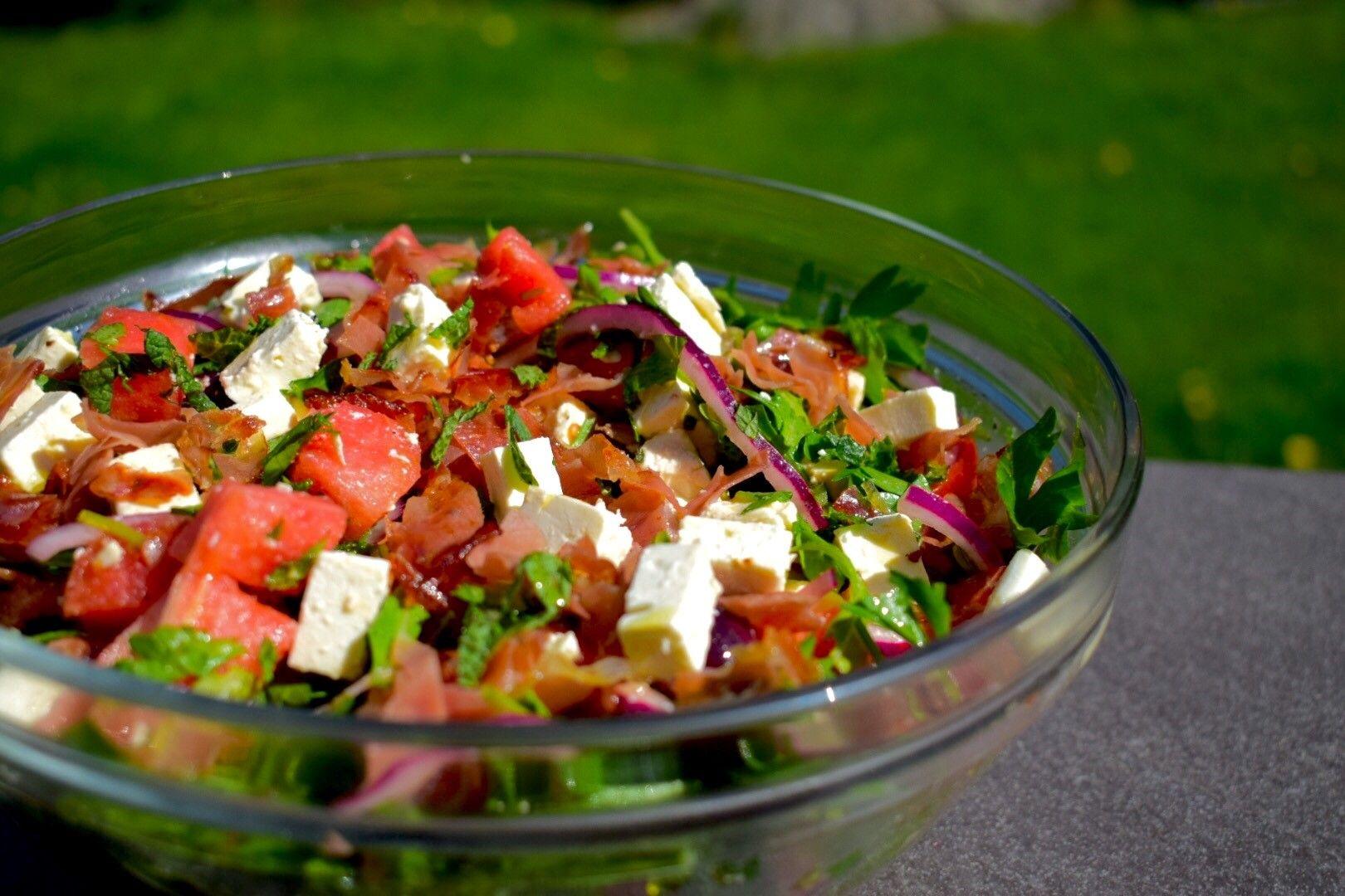 399292ec Denne salaten er full av sommerens beste smaker. En perfekt kombinasjon av  søtt, salt