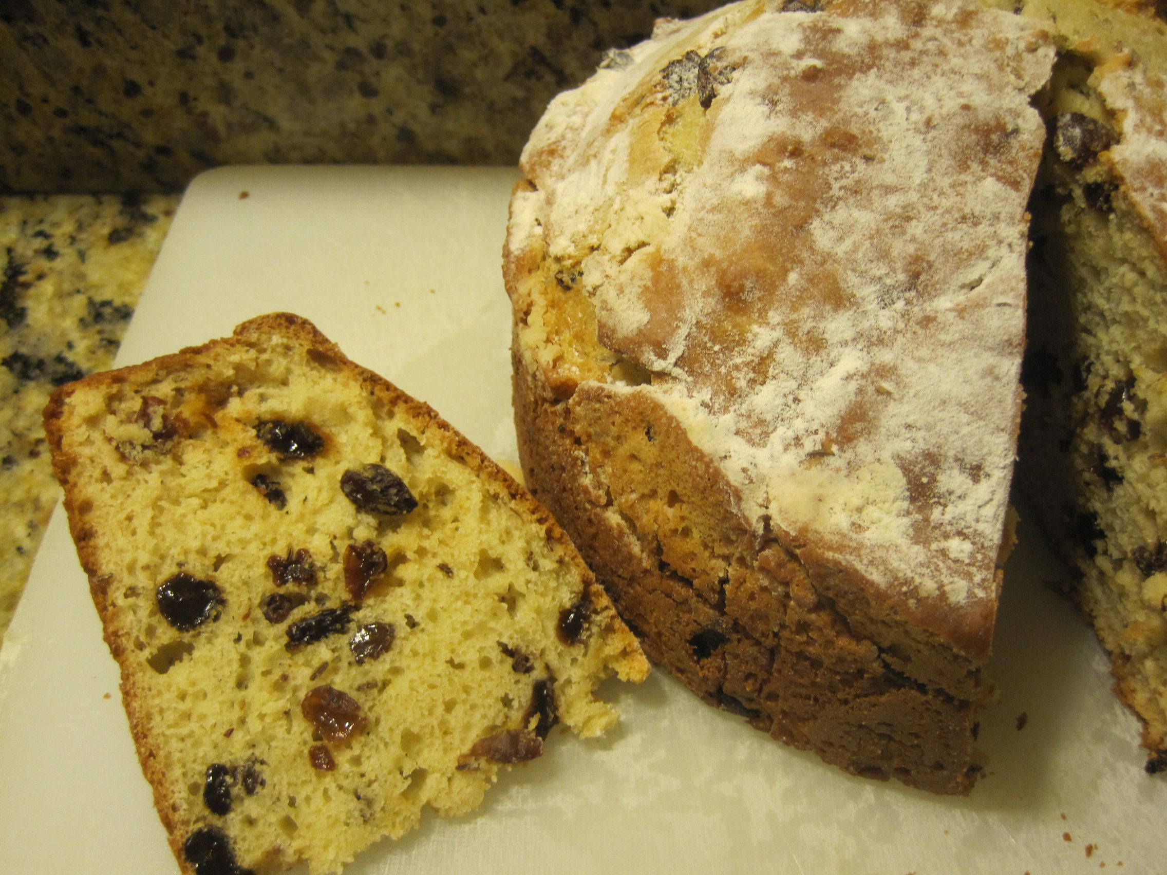 When You Crave Irish Soda Bread And Don T Have Buttermilk In The Fridge Use Either Sour Cream Or Plain Yogurt Of A Combo Of B Irish Soda Bread Soda Bread Food